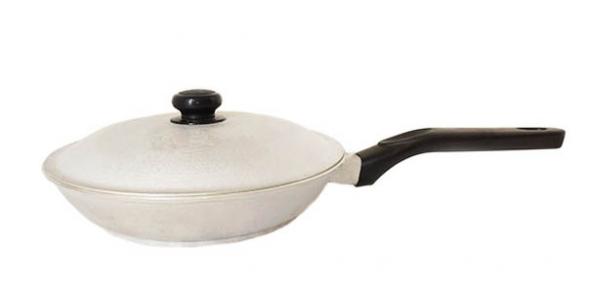 Сковорода алюминиевая литая 190 мм с гладким утолщенным дном С